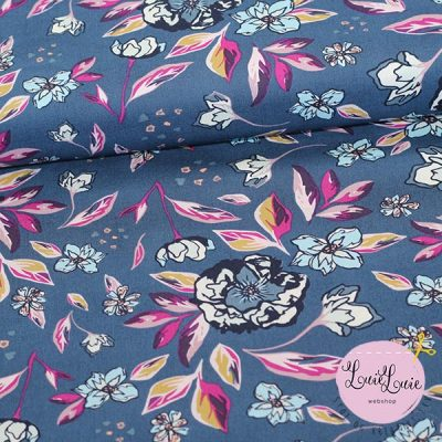 Art Gallery Fabrics : Enchanted Flora in Ablue : fast bomuld